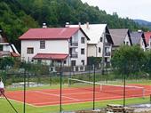 Tenis pod oblazom