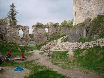 Zrúcanina Lietavský hrad